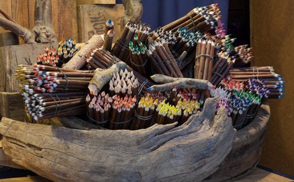 Artisan, l'ïle aux crayons, créateur de crayons originaux, Livradois-Forez en Auvergne