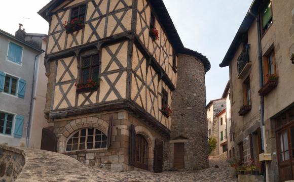 Maison de Bourg à Olliergues
