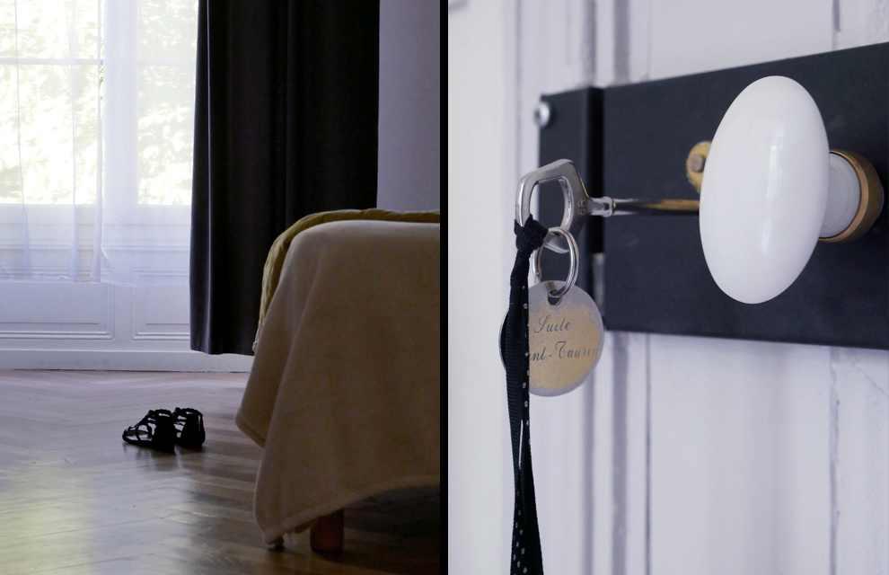 Porte ouverte sur une des chambres.