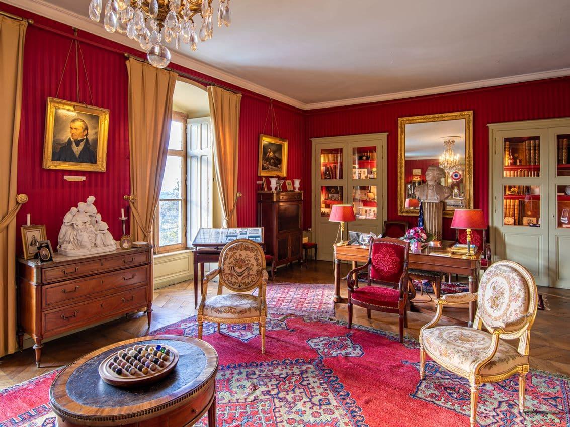 salon château vollore