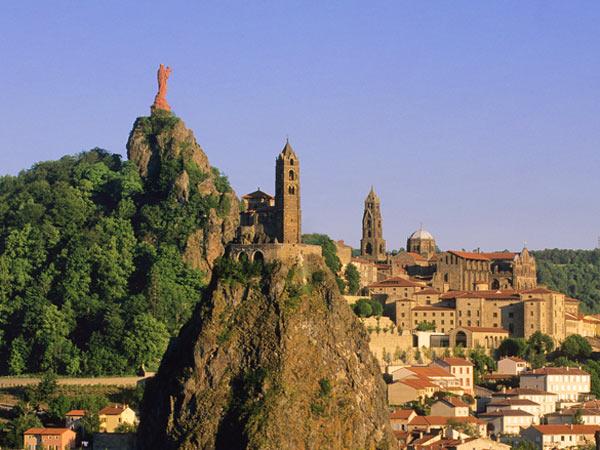 Le-Puy-3-monuments-WEB