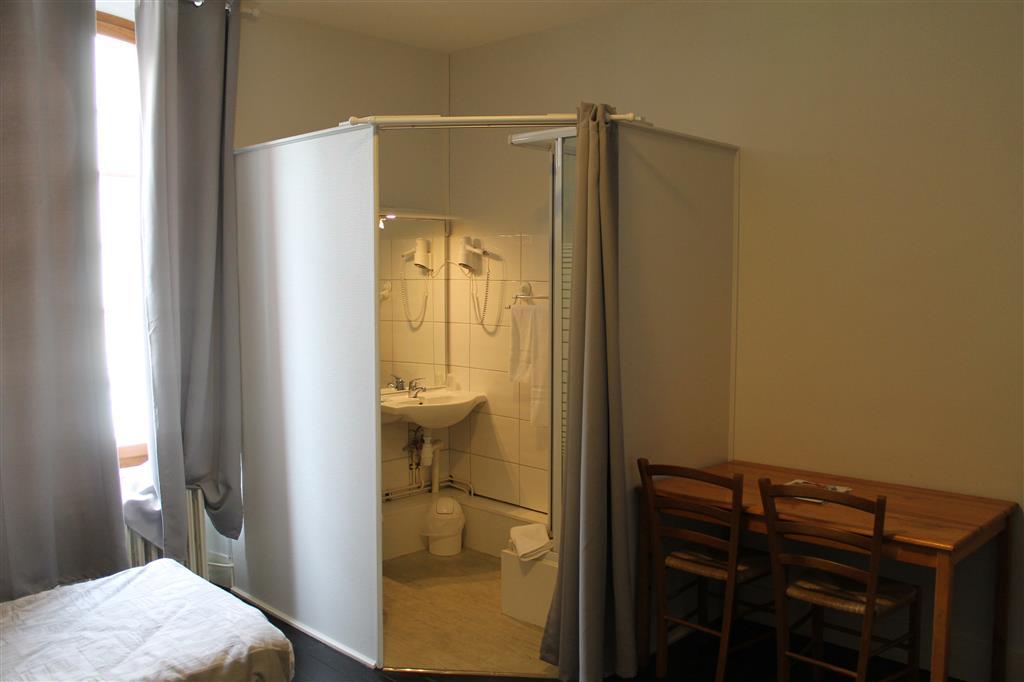 salle de bain1hotel de la gare