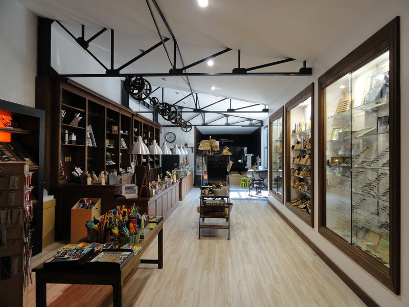 COS_Coutellerie_Robert_DAVID_magasin2_thiers