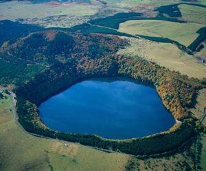 Le lac Pavin, plus jeune volcan de France métropolitaine