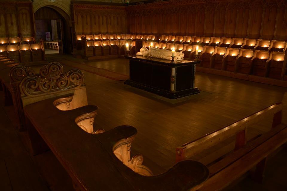 illumination du choeur de l'abbatiale St Robert