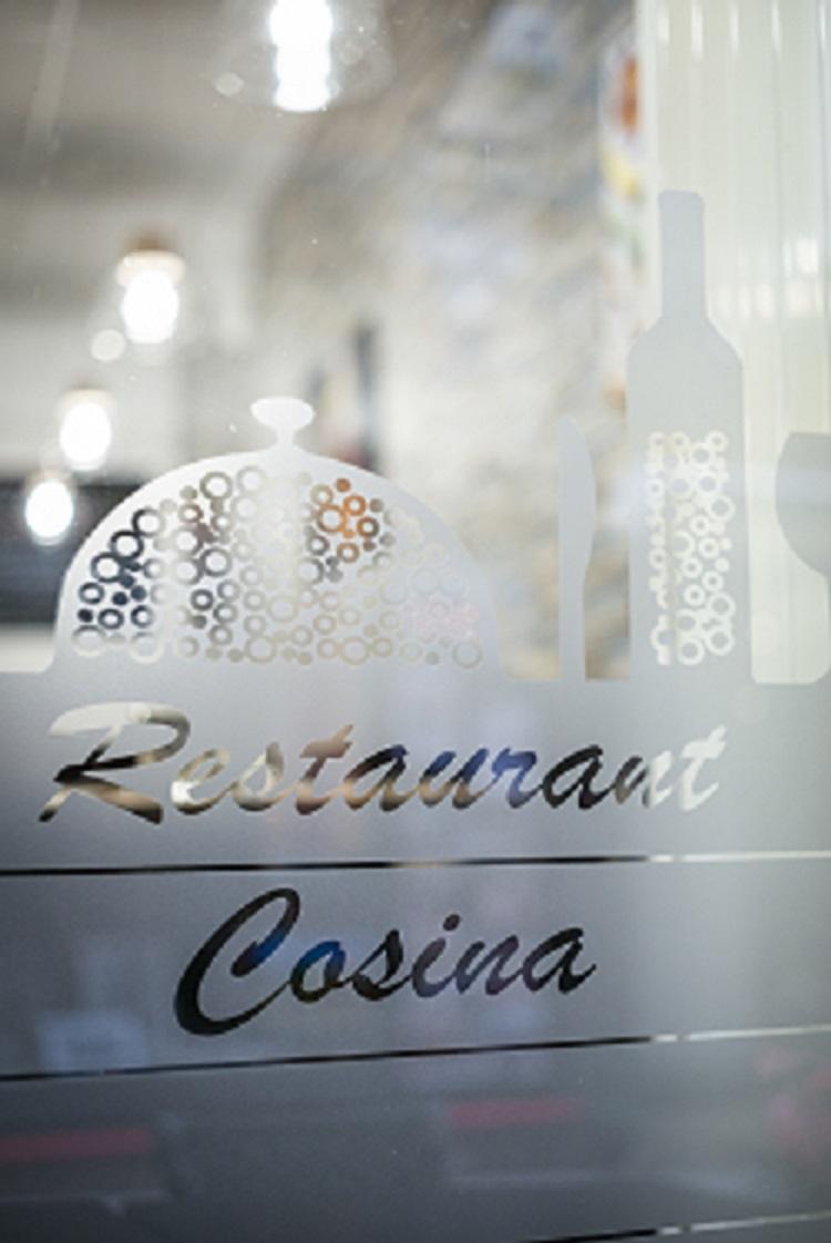 Cosina – Vitrine