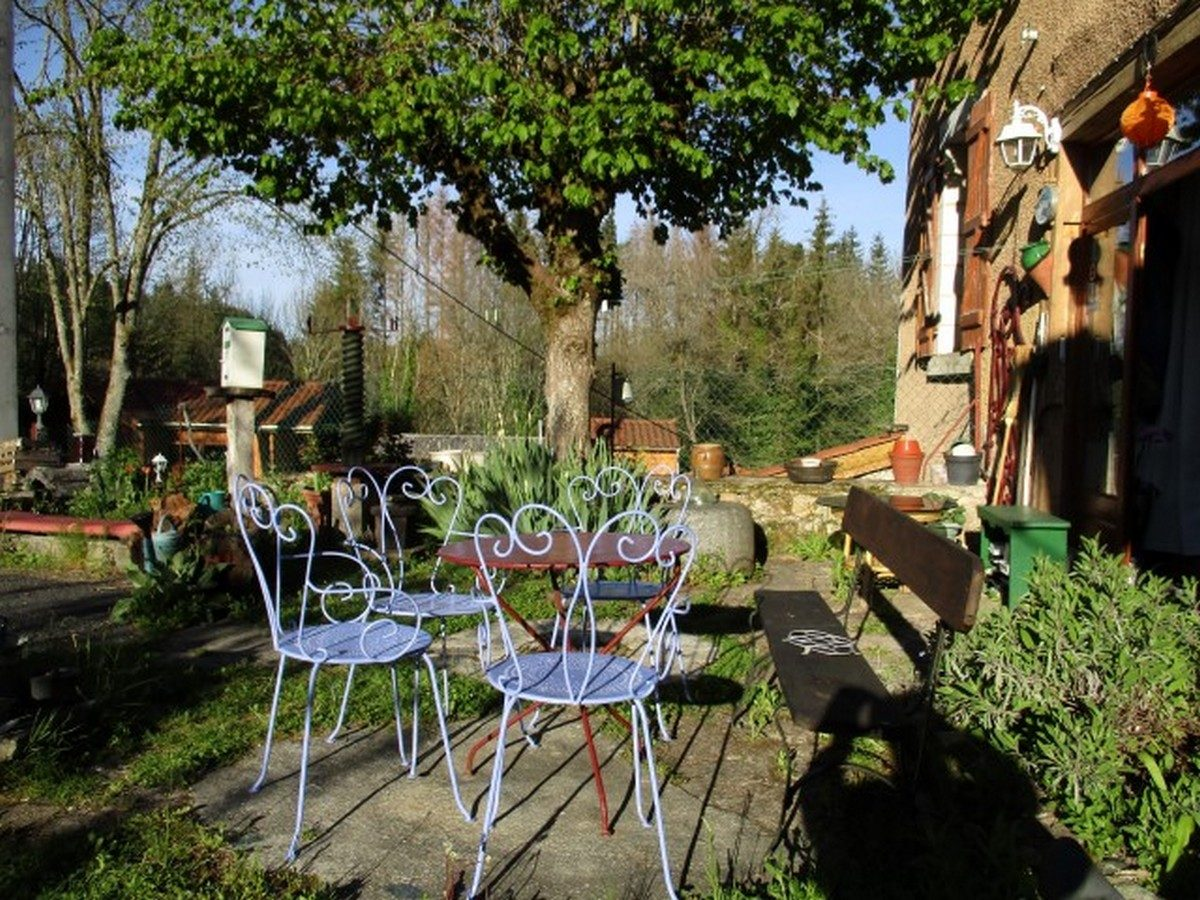Moulin de la Passerelle – Salon de jardin