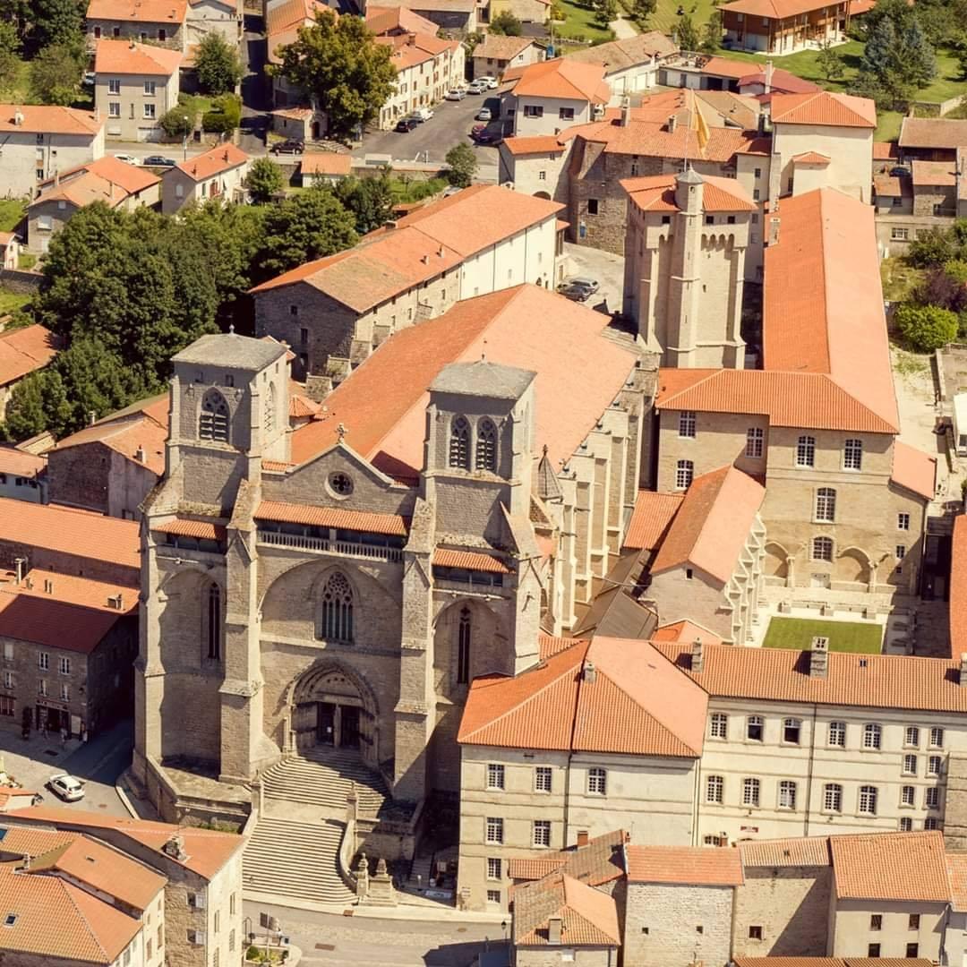 PCU_Abbaye de La Chaise-Dieu_Vue aérienne