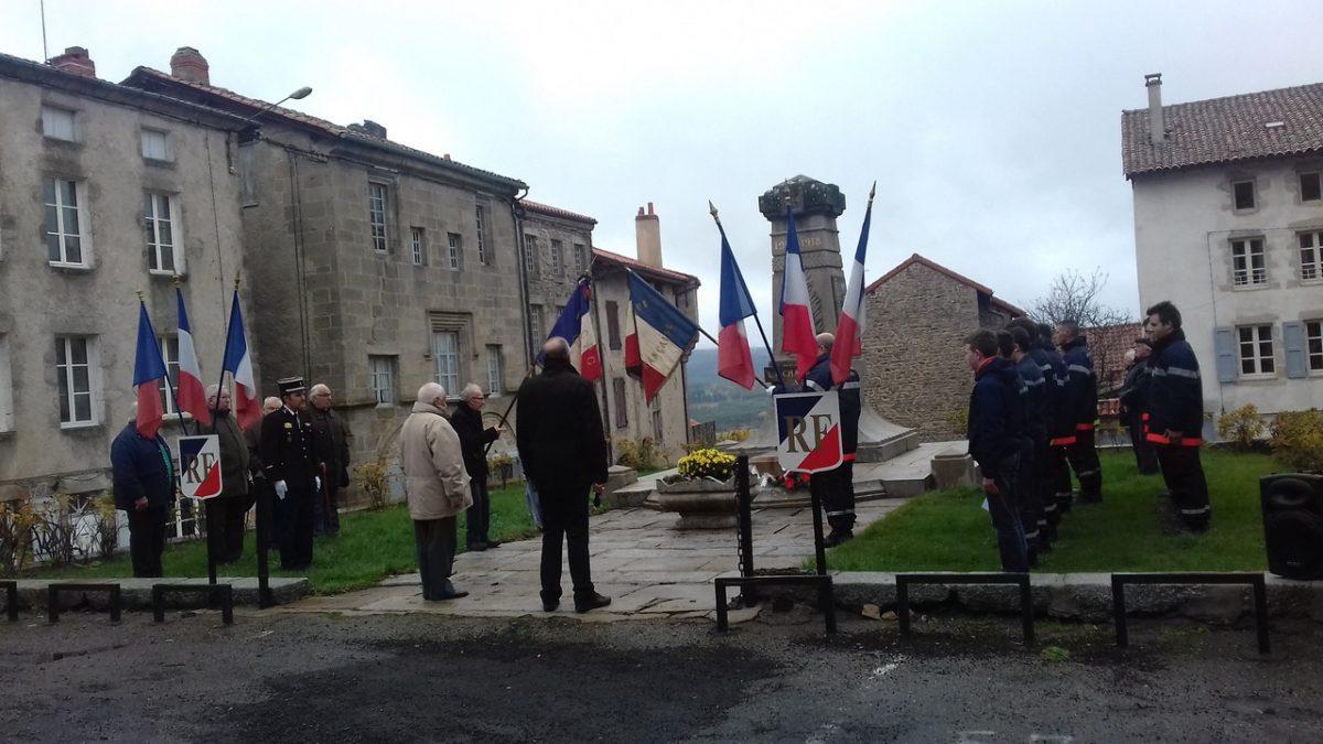 EVE_commémoration 8 mai_place du Monument aux Morts