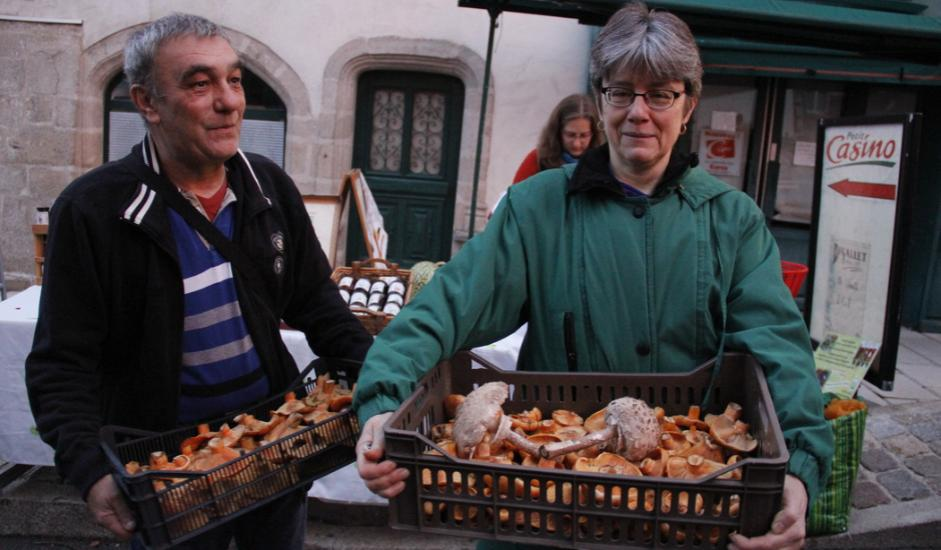 EVE_Foire aux champignons de La Chaise-Dieu_Acheteurs