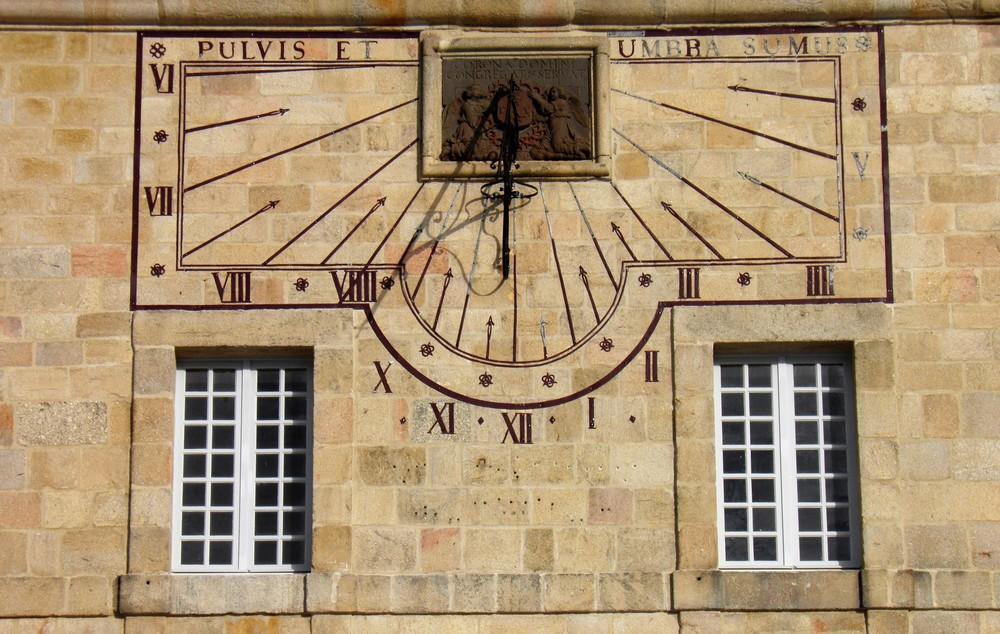 EVE_Parcours muséographique de l'abbaye de La Chaise-Dieu_cadran solaire Place de l'Echo