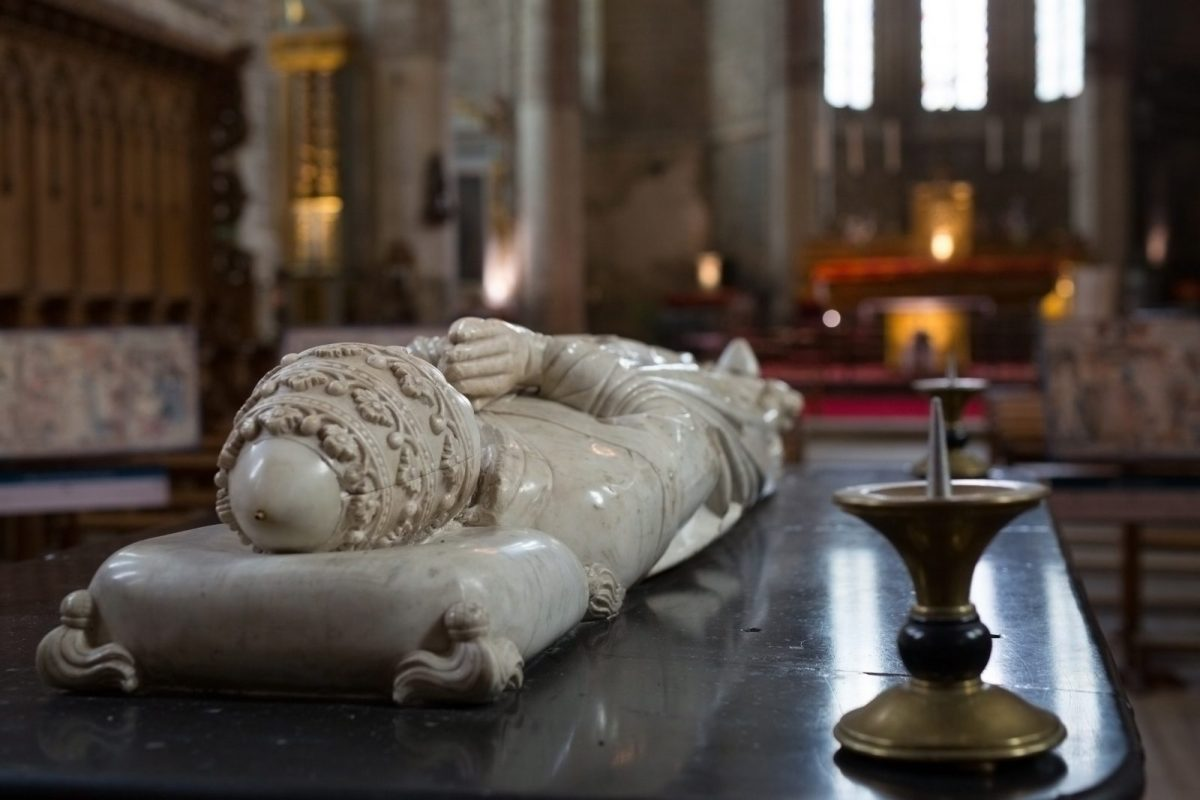 EVE_Visite de l'église abbatiale de La Chaise-Dieu_Tombeau de Clément VI