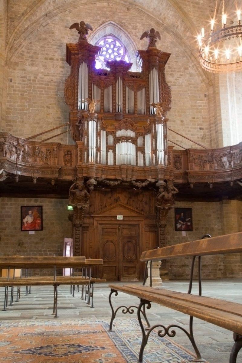 EVE_Visite de l'église abbatiale de La Chaise-Dieu_orgues -nef