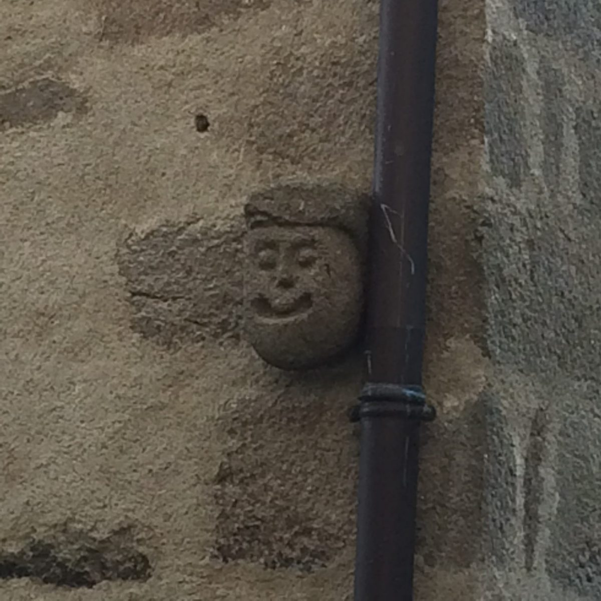 EVE_Visite du bourg médiéval _mascaron